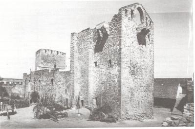 20071005180920-castillo.jpg