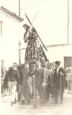 20080311175954-procesion-virenes-santo-manana.-anos-70.jpg