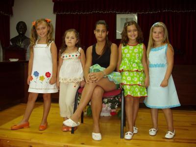 20080816160828-reina-y-damas-infantiles-fiestas-cristos.jpg