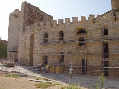 20080903082428-restauracion-castillo-lopera.jpg