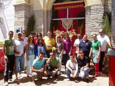 20100501150315-copia-de-cruz-de-mayo-hermandad-jesus-nazareno.jpg