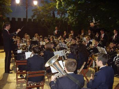 20100502125347-copia-de-concierto-pasodobles-cruces-de-mayo.jpg