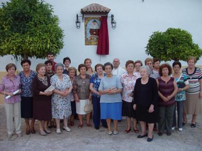 20101009173518-copia-de-homenaje-a-las-hermanas-de-la-cruz-en-lopera.jpg