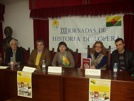 20101229174054-copia-de-clausura-de-las-xxii-jornafas-de-historia-de-lopera.jpg