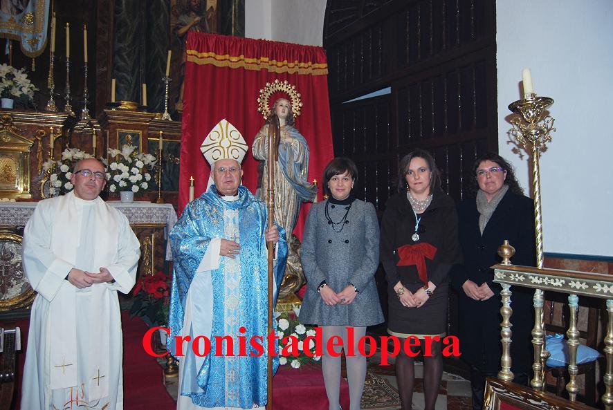 20111209124915-copia-de-la-inmaculada-nombrada-alcaldesa-honoraria-de-lopera-copia.jpg