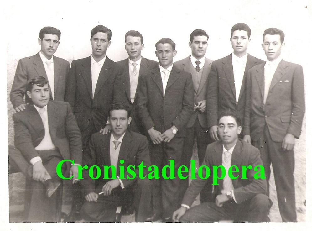 20121103201013-grupo-de-quintos-1962-copia.jpg