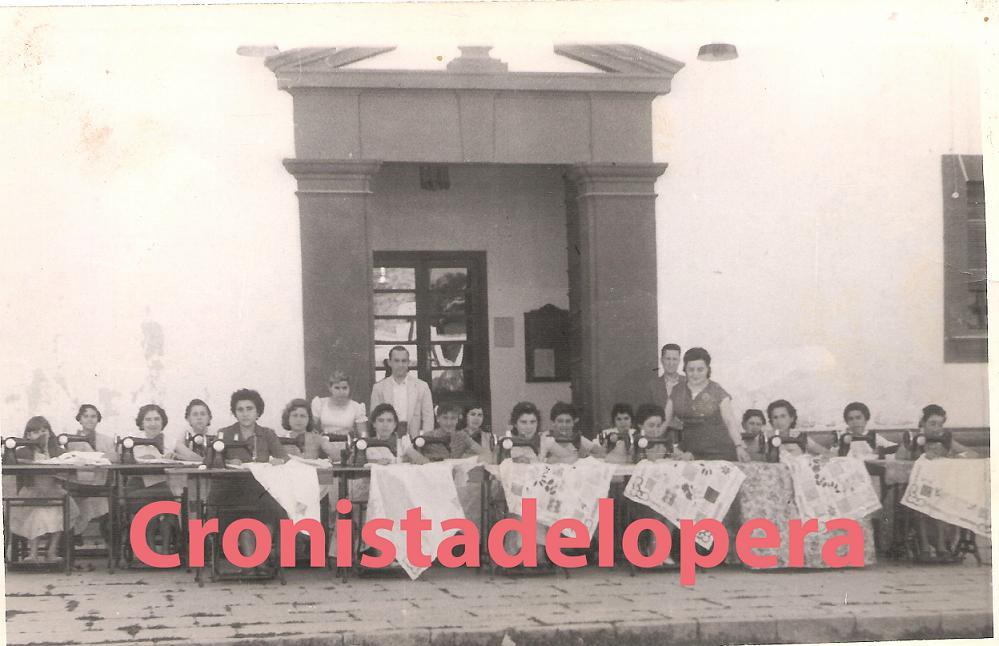 20121127195613-grupo-bordadoras-1958-copia.jpg