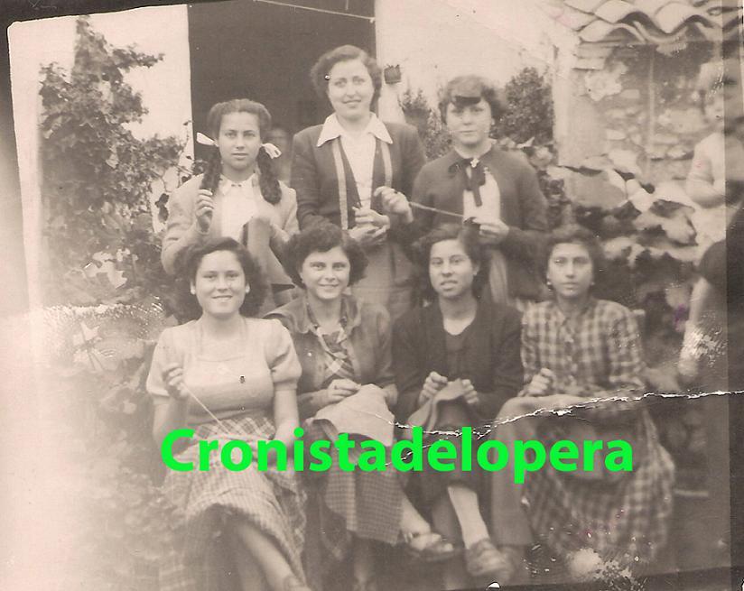 20130107221909-taller-de-costura-de-paz-liebanas-1950-copia.jpg
