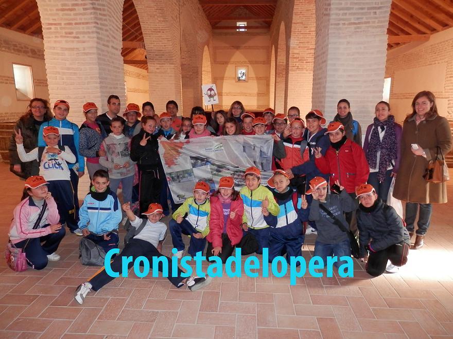 20130205170528-escolares-de-guarroman-visitan-patrimonio-lopera-copia.jpg