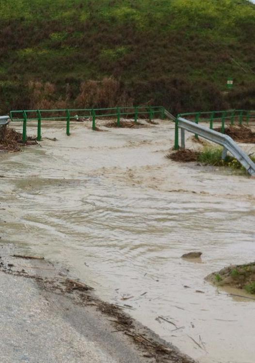 20130307185616-puente-arroyo-salado-porcuna-sepultado-i.jpg
