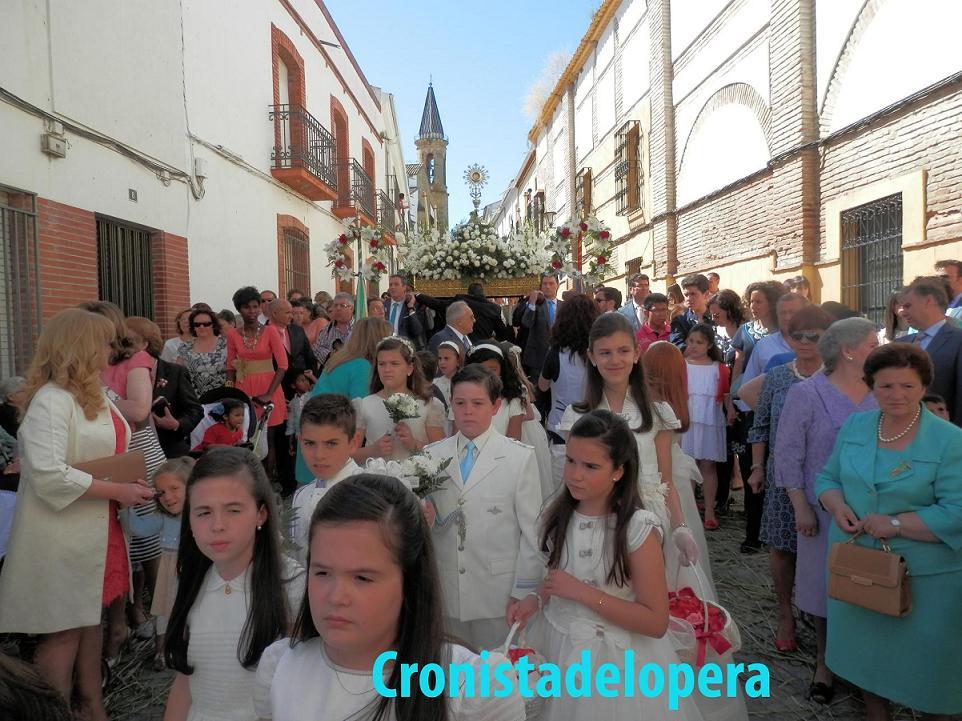 20130602122622-procesion-del-corpus-lopera-copia.jpg