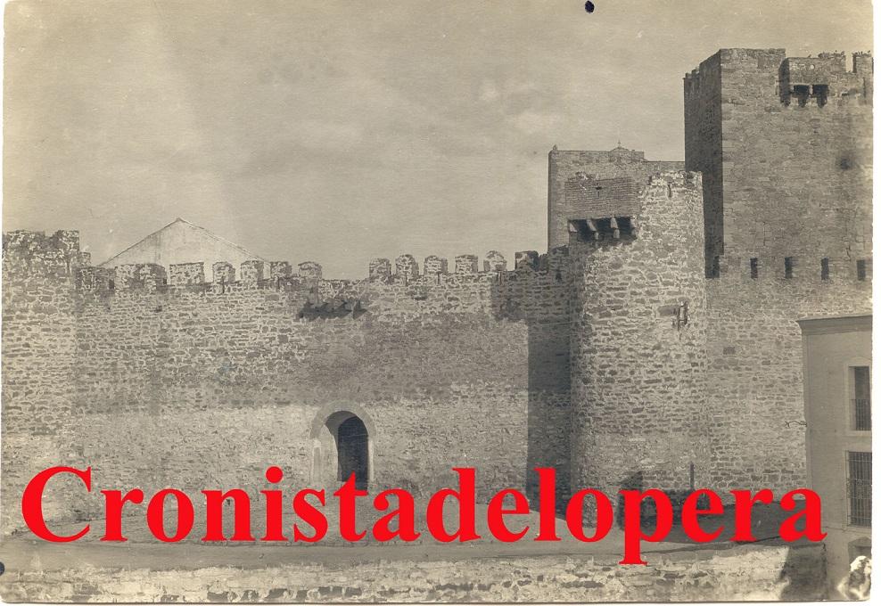 20131215094839-castillo.jpg