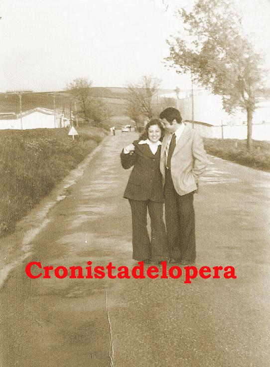 20141128174635-novios-paseando-por-la-carretera-porcuna-copia.jpg
