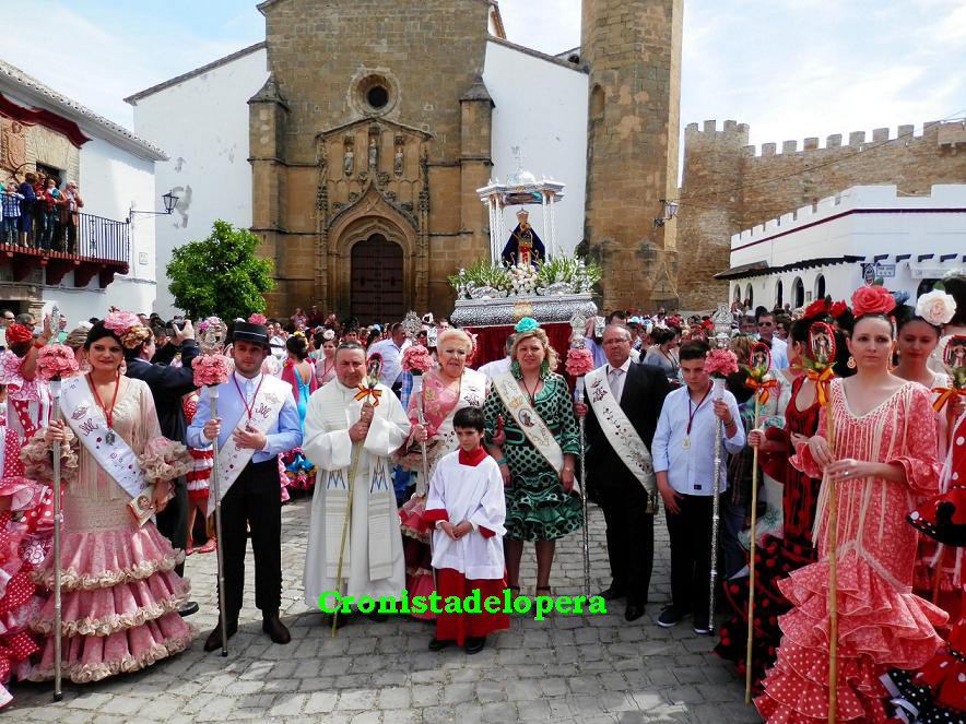 20150419132241-copia-de-procesion-virgen-de-la-cabeza-lopera-copia.jpg