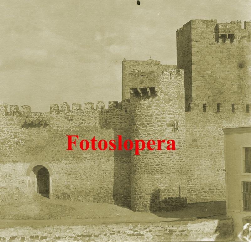 20150802132952-castillo-de-lopera-ano-1928-copia.jpg