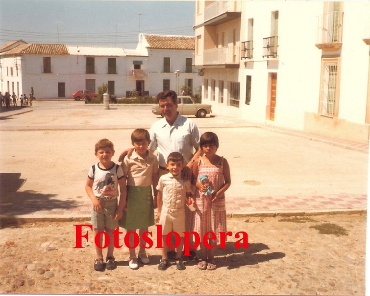 20150820093617-plaza-altozano-29-8-1977-copia.-ana-isabel-porras.jpg
