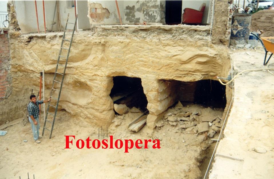 20150904094206-refugio-calle-cuesta-23-9-1994-copia.jpg