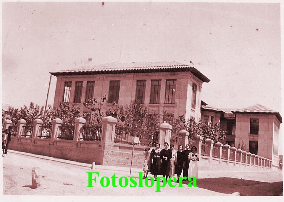 20150921105221-loperanas-en-el-grupo-escolar-1935-copia.jpg