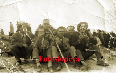 20160105124311-grupo-amigos-virgen-de-la-cabeza.-1959.jpg