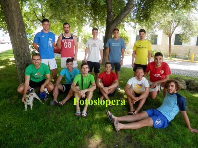 20160807121932-jovenes-de-lopera-al-fresco-parque-del-cuartel-copia.jpg