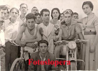 20160818094249-vencedores-carrera-bicicletas-hermanos-pedro-francisco-y-antonio-lara-copia.jpg