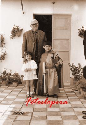 20160920093333-fernado-rosal-rodriguez-y-sus-nietos-basi-y-paco-1972-copia.jpg