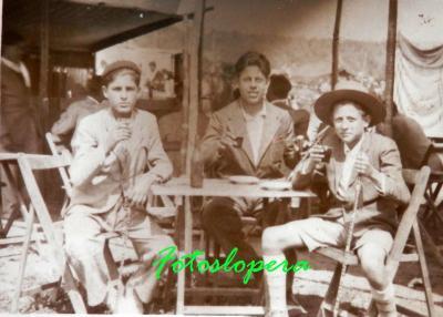 20160922115841-vicente-pantoja-antonio-moreno-sebastian-garcia.-romeria-alharilla-1956.jpg