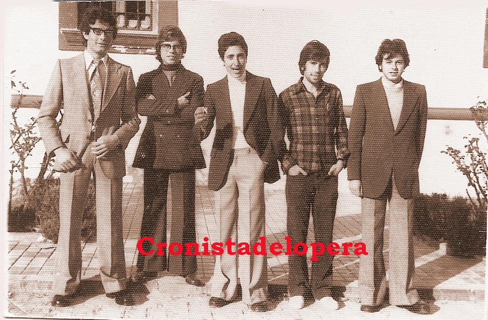 Algunos loperanos de la Quinta del año 1975. De izquierda a derecha: Antonio Quero, Francisco Jiménez, Alfonso Cardeña, Vicente Llorent y José Pérez.