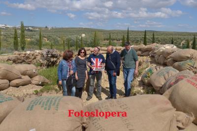 Los Recreadores ultimando los detalles de la I Recreación Histórica Batalla de Lopera 1936.
