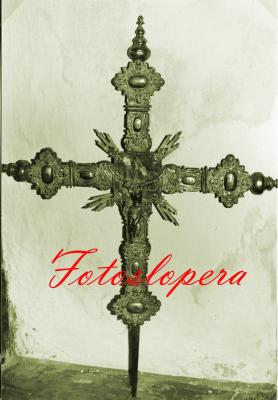 Antigua Cruz Procesional. Estilo Barroco. Siglo XVIII. Iglesia Parroquial Inmaculada Concepción de Lopera.
