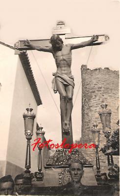 Procesión del Cristo de la Expiración a su paso por la Calle Iglesia. Francisco Bellido Verdejo. Años 40