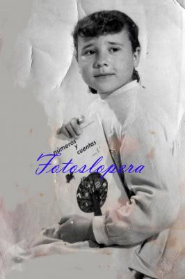 La alumna del Colegio de las Hermanas de la Cruz Rafi Chueco López. Año 1964