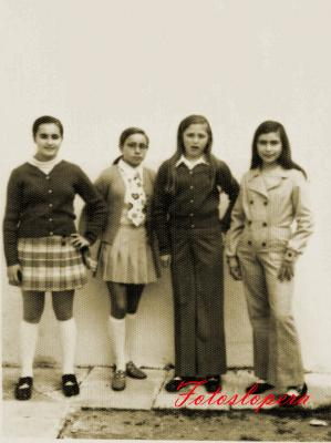 Grupo de amigas de Lopera. Antonia Artero Cobo, Francisca Puerto Hidalgo, Carmen Huertas Bueno y Concepción Marín Castillo. Año 1971