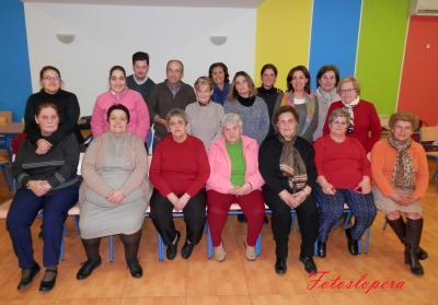 """Los Profesores y Alumnos del Centro de Adultos """"Luparia"""" de Lopera celebran una Convivencia Navideña."""
