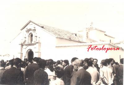 Viernes Santo Loperano. Salida Procesional de la Virgen de los Dolores de la Ermita de Jesús. Abril 1962