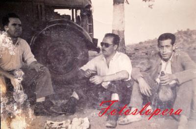 Grupo de operarios de las Bodegas de Vinos Sotomayor. José y Manuel Quero, Francisco Clemente.
