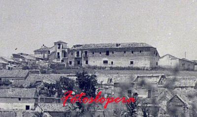 Vista del Convento de Franciscanos Descalzos de Lopera en 1940.