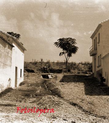 Paseo matinal por el pasado de calles y plazas de Lopera. Hoy por el acceso a la calle Magdalena desde la Carretera de Porcuna